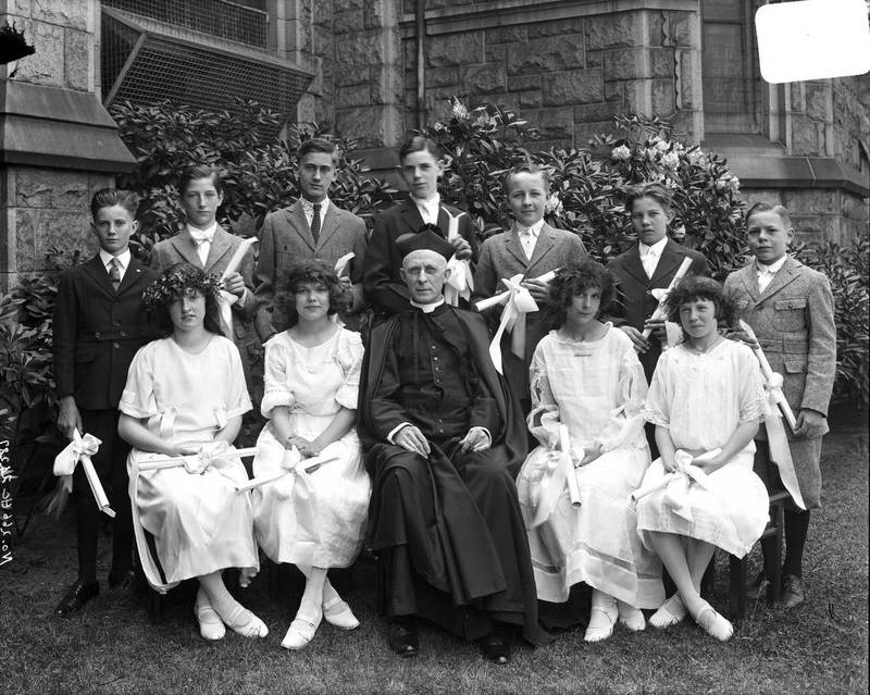 Group Portrait at Corpus Christi (1923)