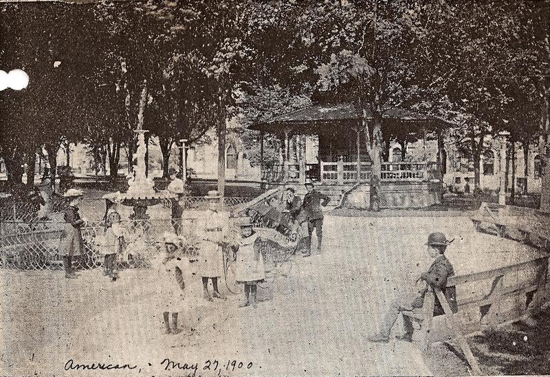 Lafayette Square (1900)