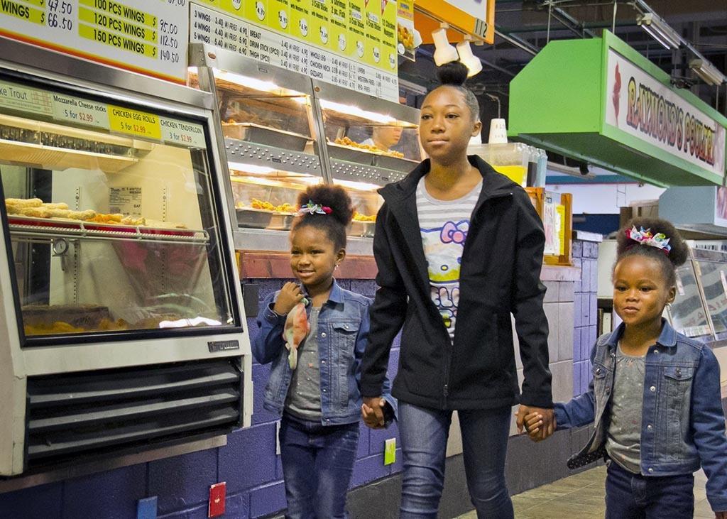 Shoppers, Avenue Market