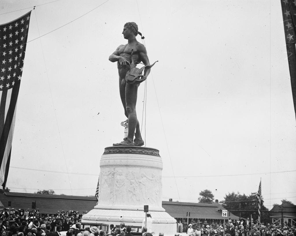 Statue unveiling, 1922