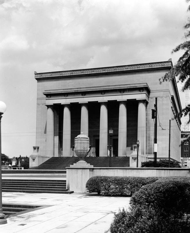War Memorial (1953)